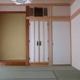 仏間(襖)神棚(ガラス戸)